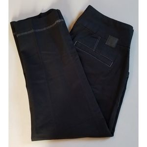 Cropped Jag Jean's